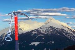 Ausrüstung für das Klettern des Gipfels Lizenzfreies Stockfoto