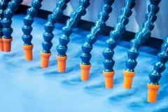 Ausrüstung für die Dosierung von Mischungen und von Teig im Backen stockbild