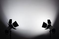 Ausrüstung für Fotostudios und -Modefotografie Hintergrund lizenzfreies stockbild