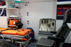 Ausrüstung für Krankenwagen. Ansicht von innen. Lizenzfreie Stockfotos