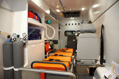 Ausrüstung für Krankenwagen. Ansicht von innen. Stockfoto