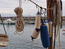 Ausrüstung im Hafen der italienischen Fischenstadt Camogli Stockfotos