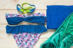 Ausrüstungsbaby auf Strand Lizenzfreie Stockfotos