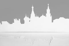 Ausschnittpapierschattenbild der Mocsow Stadt, Russland Stockbild
