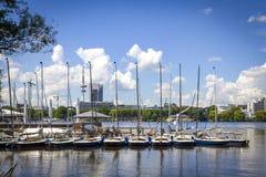 Aussenalster湖的江边在汉堡,德国 库存图片