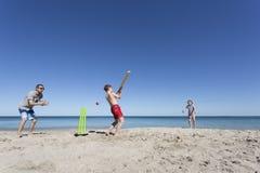 Aussie Beach Cricket royalty-vrije stock afbeelding