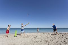 Aussie Beach Cricket royalty-vrije stock foto's