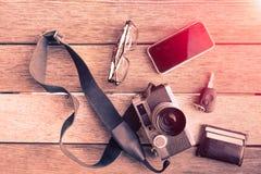 Ausstattung des Reisenden, Fotograf, Student, Jugendlicher, junger Mann Lizenzfreies Stockbild