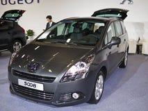 Ausstellung mit 2013 neue Autos Stockfoto