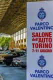 Ausstellung von amerikanischen Autos bei Dora Public Park Turin, gescheckt Stockbilder