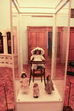 Ausstellung von Puppen in der Kindertagesstätte Stockbilder