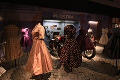 Ausstellung von Weinlesekleidern Lizenzfreies Stockfoto
