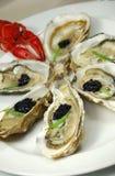 Auster mit Kaviar und Panzerkrebsen Stockfotografie
