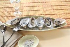 Austern natürlich stockfotos