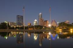 Austin alla notte, il Texas immagini stock