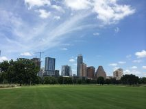 Austin Skyline dalle rive della sala immagini stock libere da diritti