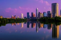 Austin Sunrise Reflections Skyline Cityscape Fotos de Stock Royalty Free