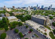 Austin Texas Aerial Shot Over House Skatepark cerca del campus del CRNA Fotos de archivo