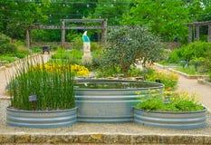 AUSTIN, TEXAS - 3. April 2018 - die Thema-Gärten und JJ Priour Stockbild