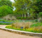 AUSTIN TEXAS - APRIL 3, 2018 - siloborggårdträdgården på knatten Arkivfoto