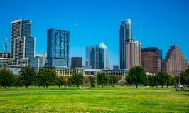 Austin Texas Cityscape Willie Wells Field på Butler Park Auditorium Shores parkerar Arkivfoto