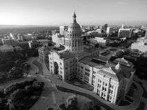 Austin Texas Government Building Clear Skies de construction capital image stock