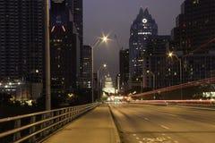 Austin Texas Skyline alla notte fotografia stock libera da diritti