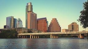 Austin, Texas Skyline Along le fleuve Colorado images stock