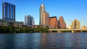 Austin, Texas Skyline Along le fleuve Colorado photographie stock