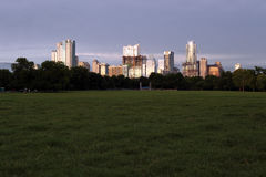 Austin Texas Skyline Zilker parkerar Arkivbild