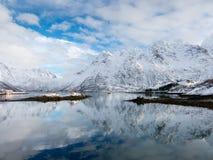 Austnesfjord en hiver, îles de Lofoten, Norvège Photographie stock