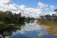 Australië, Goulburn-Rivier bewolkte bezinning, Thornton, Landschap stock foto's