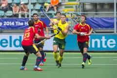 Australië slaat Spanje tijdens het Wereldbekerhockey 2014 Royalty-vrije Stock Afbeelding