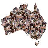 Australia mapy wielokulturowa grupa młodzi ludzie integracj di Obrazy Royalty Free