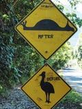 Australia roadsigns, wizerunek oszpecający drogowy znak dla Cassowary ptaka obrazy royalty free