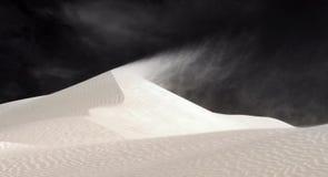 Australie - vent soufflant au-dessus des dunes Photographie stock libre de droits