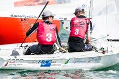 Australien beendet 2. in Klasse 470 an ISAF, das Weltcup MI segelt Stockbild
