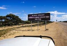 Australien längst rak väg Arkivbilder