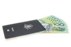 Australien-Pass und -dollar Stockbild