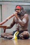 australiensisk didgeridooinfödingspelare Royaltyfri Foto