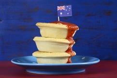 australiensiska meatpies Fotografering för Bildbyråer