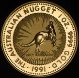 Australier Kangroo-Goldmünze auf schwarzem Hintergrund Stockfotografie
