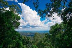 AustralierMountain View närliggande Brisbane stad i Queensland, Australien Australien är en kontinent som lokaliseras i den södra arkivbild