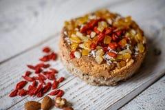 Australijski mięsny kulebiak na stole horyzontalny odgórny widok, wieśniaka styl Fotografia Royalty Free