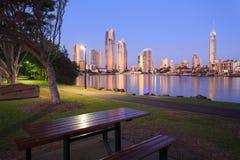 Australijski nowożytny miasto w wieczór Zdjęcie Stock