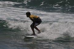 Australijski surfingowa sola Bailey współzawodniczy w Kalifornia Fotografia Royalty Free