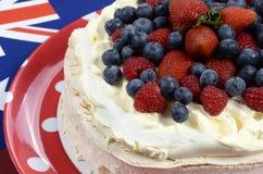 Australijski tradycyjny deser, Pavlova - zbliżenie Obraz Stock
