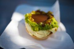 Australijski tradycyjny mięsny kulebiak z sosem Zdjęcia Royalty Free