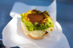 Australijski tradycyjny mięsny kulebiak z sosem Zdjęcia Stock