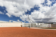 Australisch het nationale parlementshuis in Canberra stock afbeeldingen